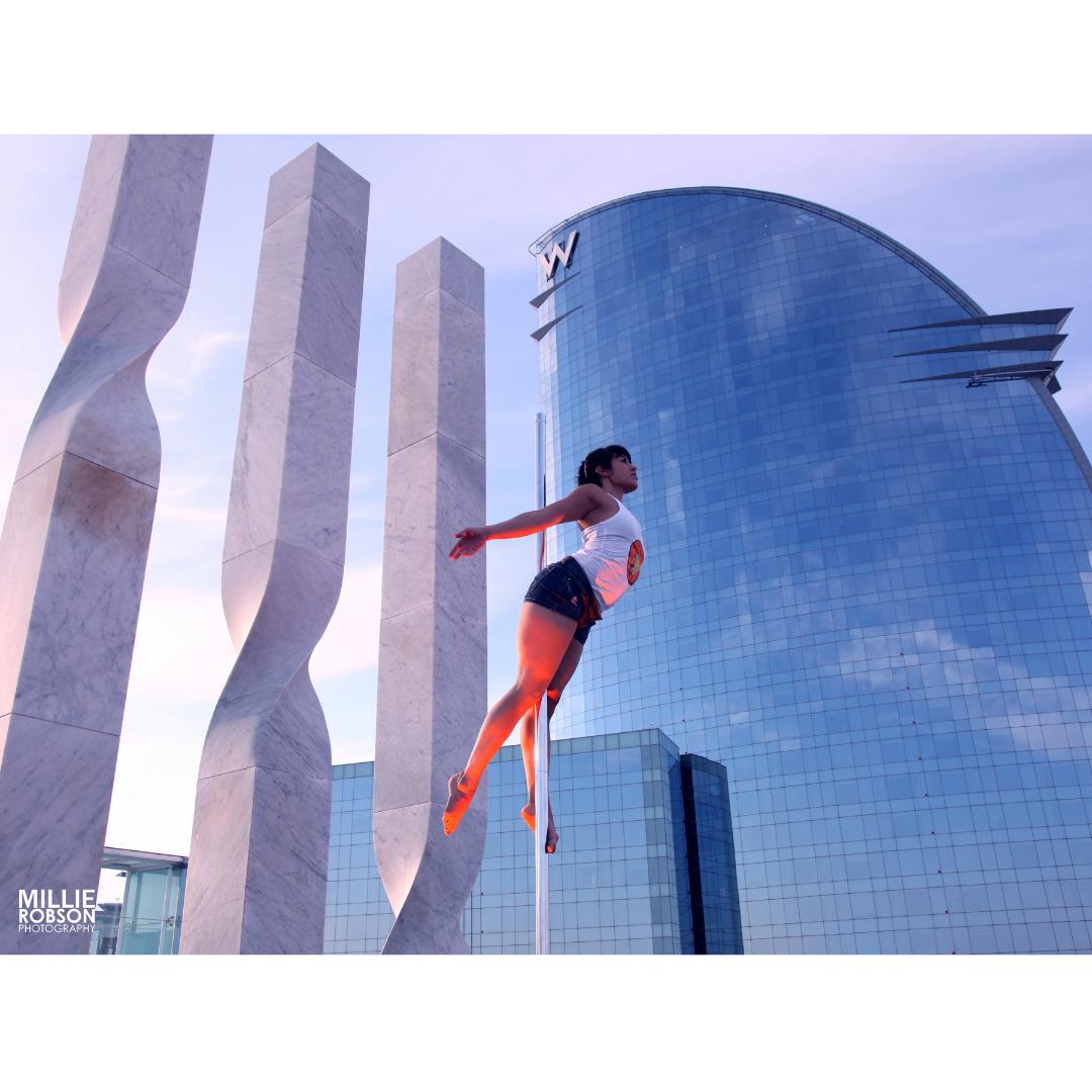 Foto 3 Oferta Gimnasio POLE DANCE FACTORY Barcelona - GymForLess