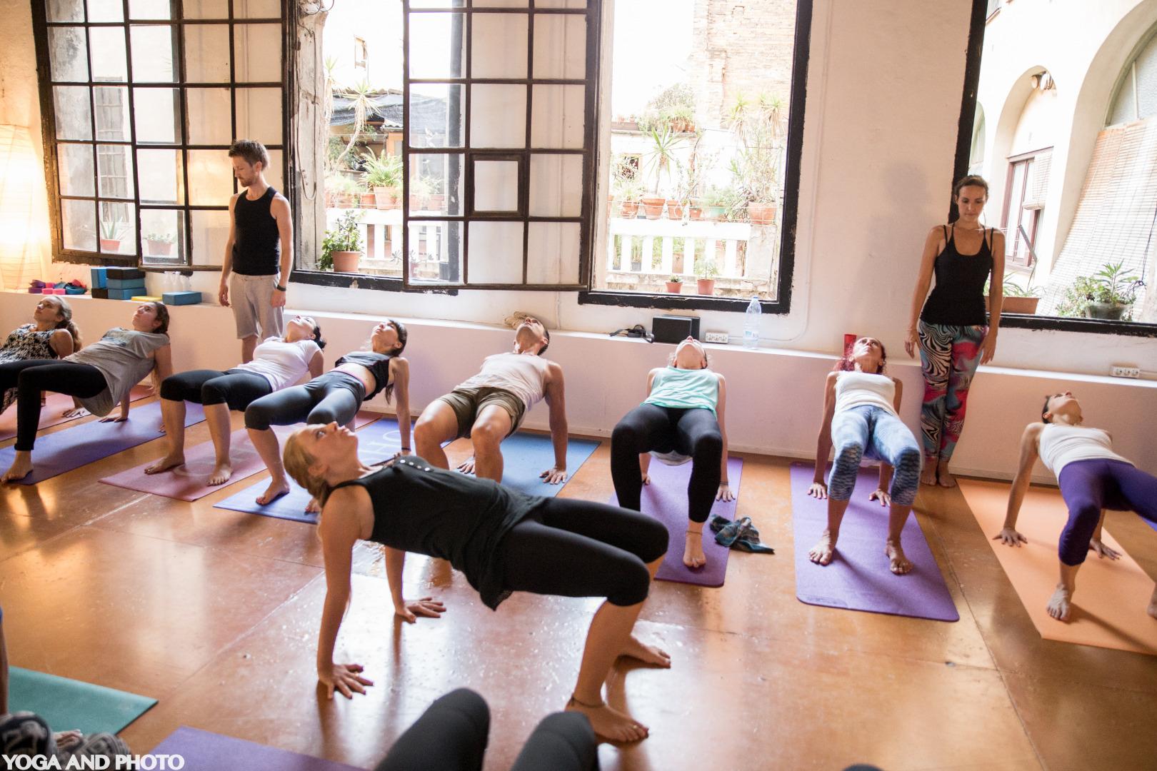Foto 2 Oferta Gimnasio Yoga Lab BCN Barcelona - GymForLess