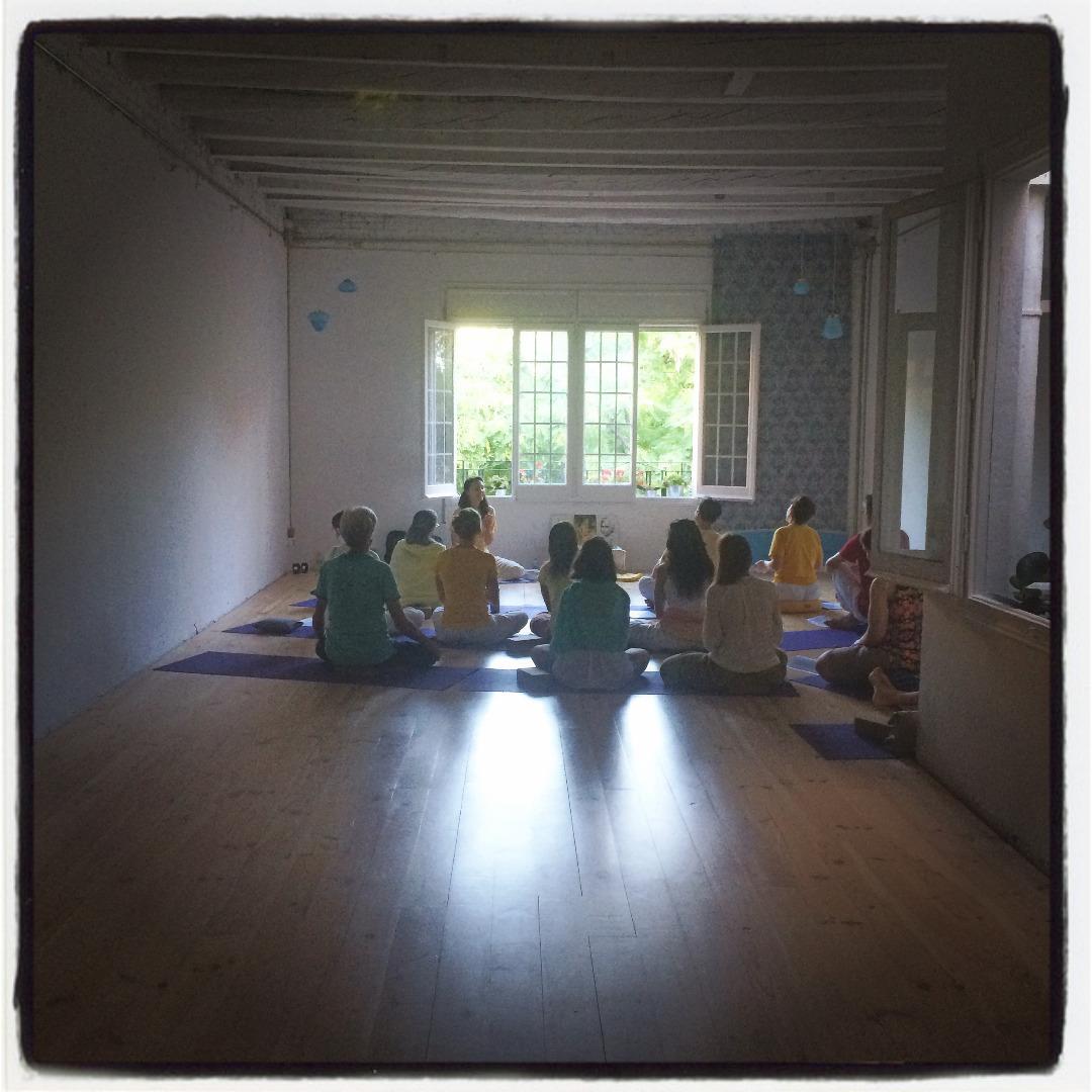Foto 2 Oferta Gimnasio Yoga con Gracia Espacio Norte Barcelona - GymForLess