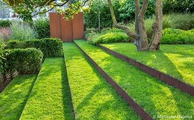 Project: Sloping city garden