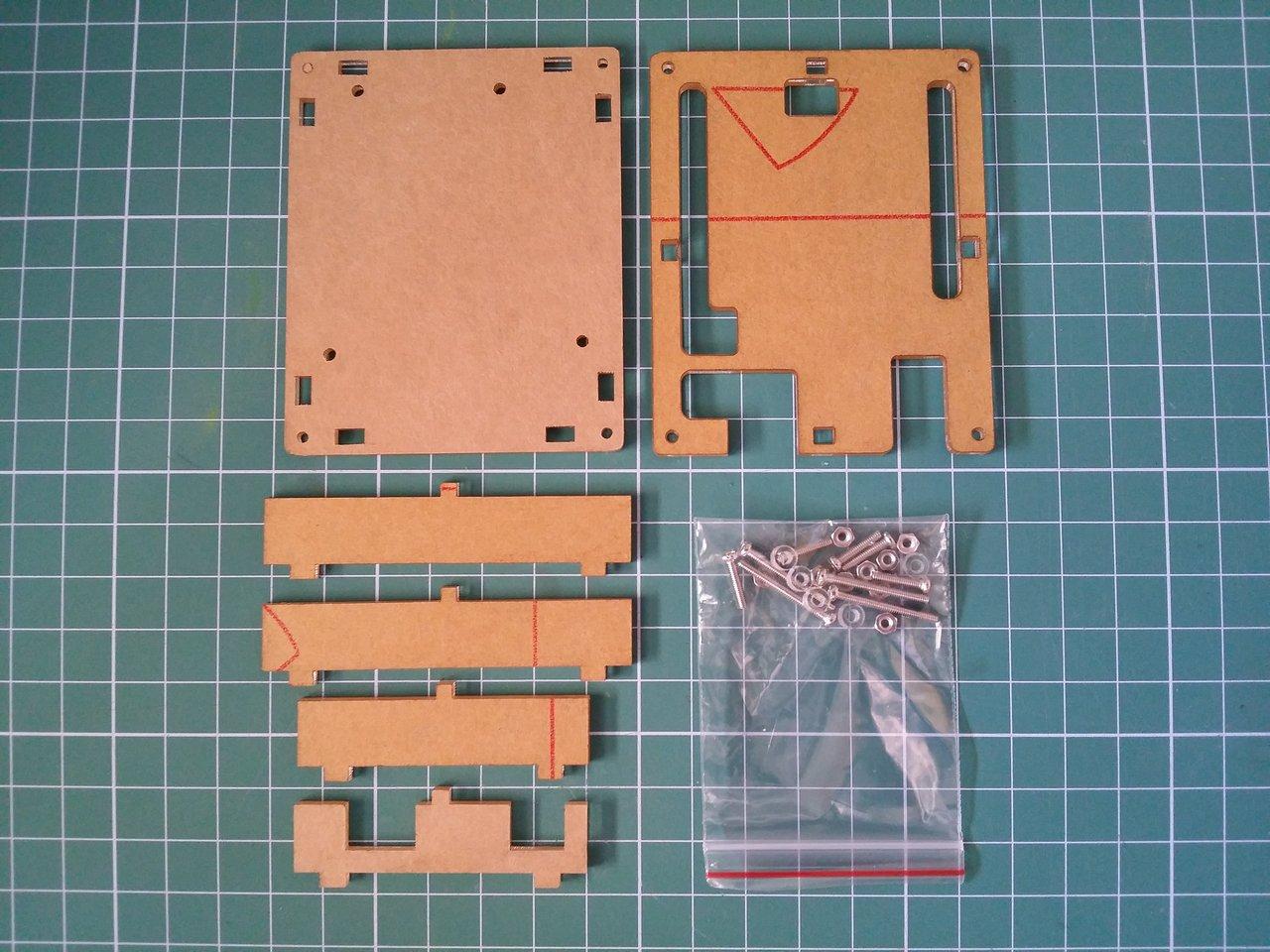 Transparent acrylic shell box