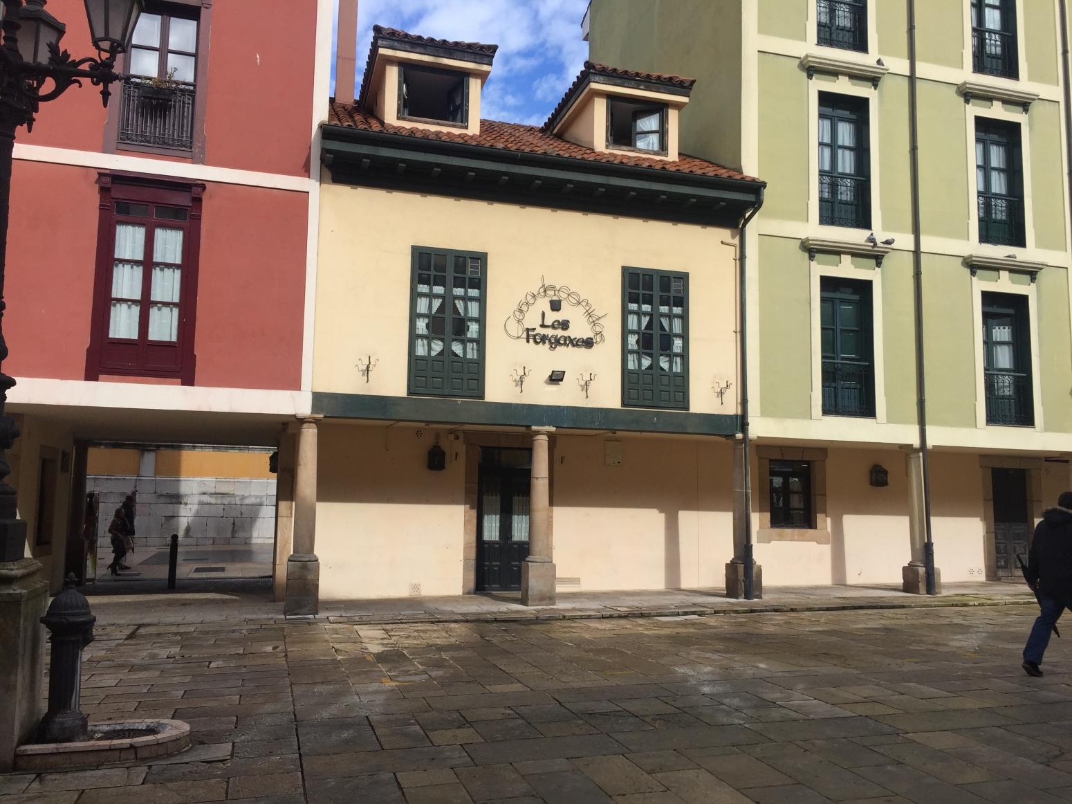 Locales en Oviedo