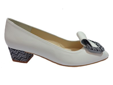 HB White Low Heel Court With Toe Detail