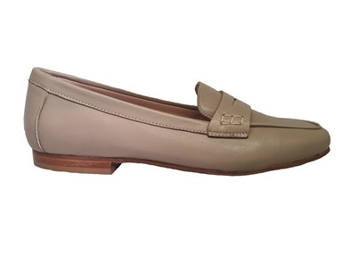 Hb 'Penny' Loafer in Taupe Leather