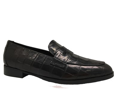 Lisa Kay 'Nanette' Black Moc-Croc Loafer