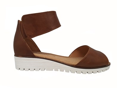 Gabor 'Penny' a super comfortable sandal with a ankle strap