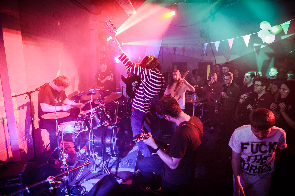 Ohmns rocking the joint during a riotous GIT Award 2017