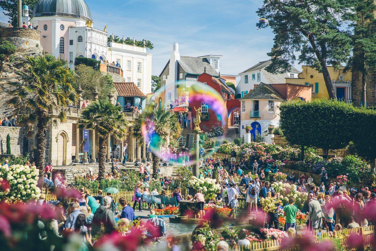 Caught in the bubble, Festival No. 6