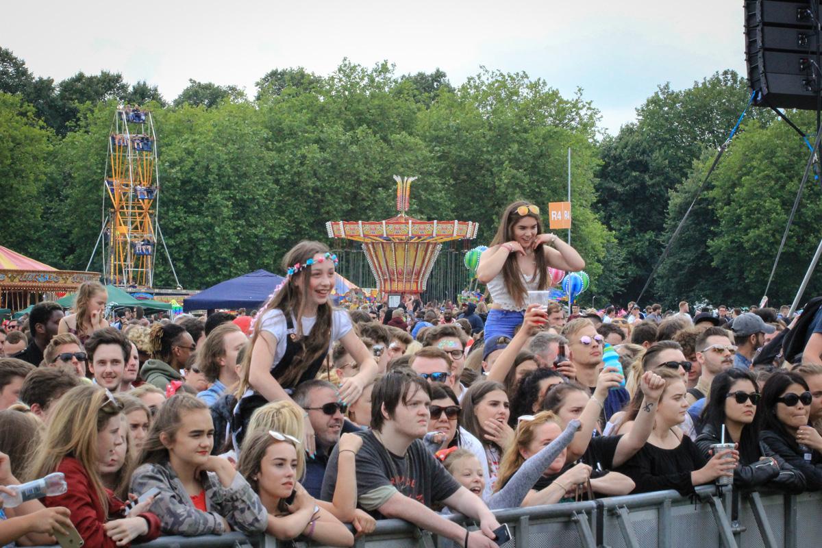 LIMF crowds
