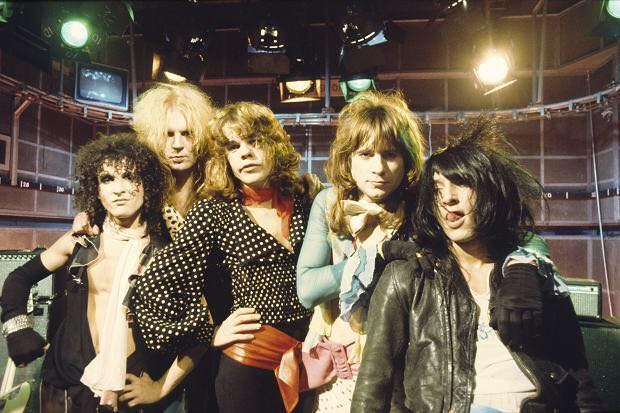 Mock Rock - The New York Dolls play the Old Grey Whistle Test