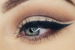 Cut crease eye shadow