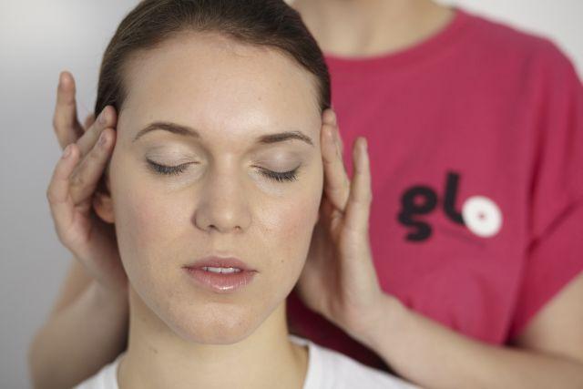 Christmas party head massage