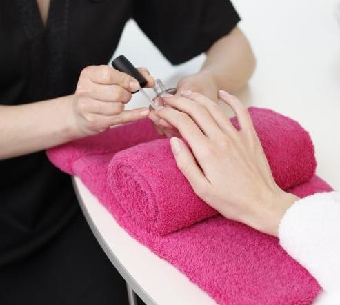 Glo manicure