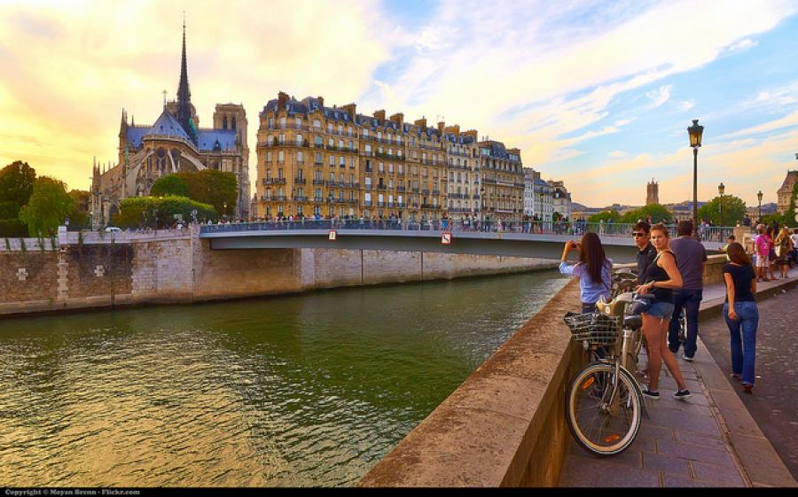 Paris Survival Guide: The City of Lights on a Budget