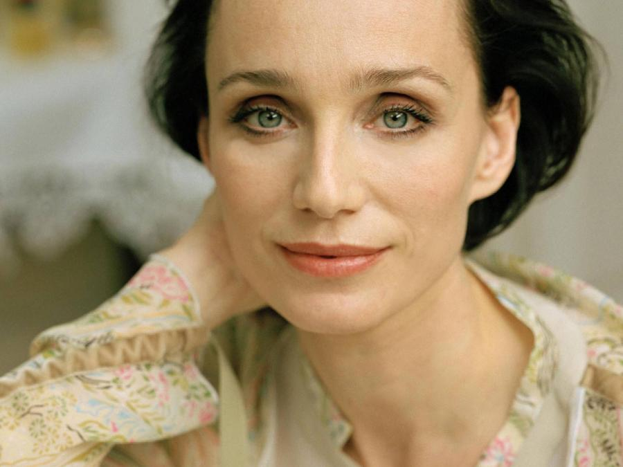Kristin Scott Thomas speaking French