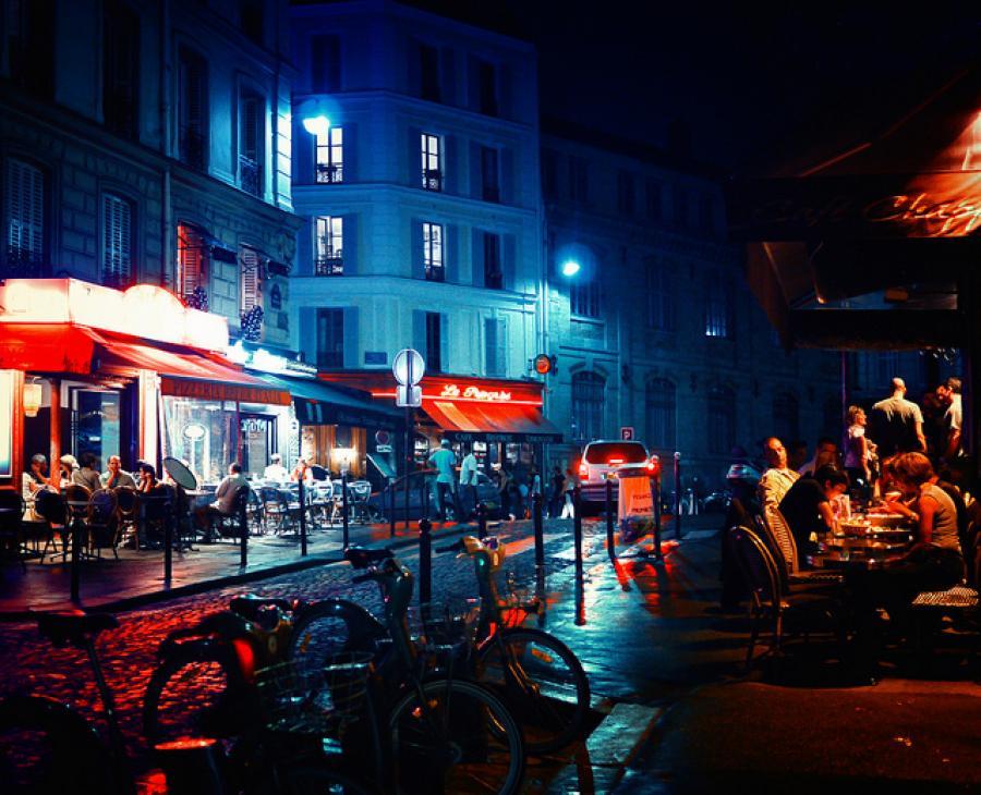 It's Friday night in Paris