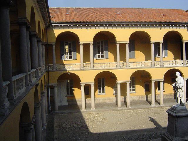 Pavia Uni