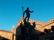 Bologna e il Nettuno: luci e ombre by Renzo Ferrante