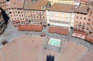 Piazza del Campo by Nicholas Ng