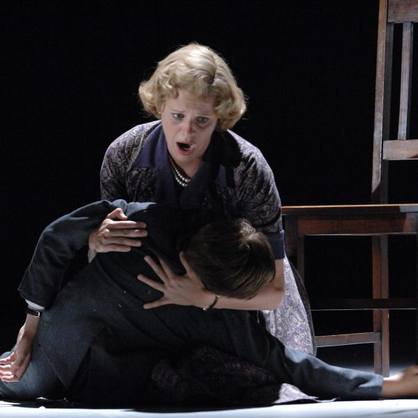 Explore The Turn of the Screw - Glyndebourne