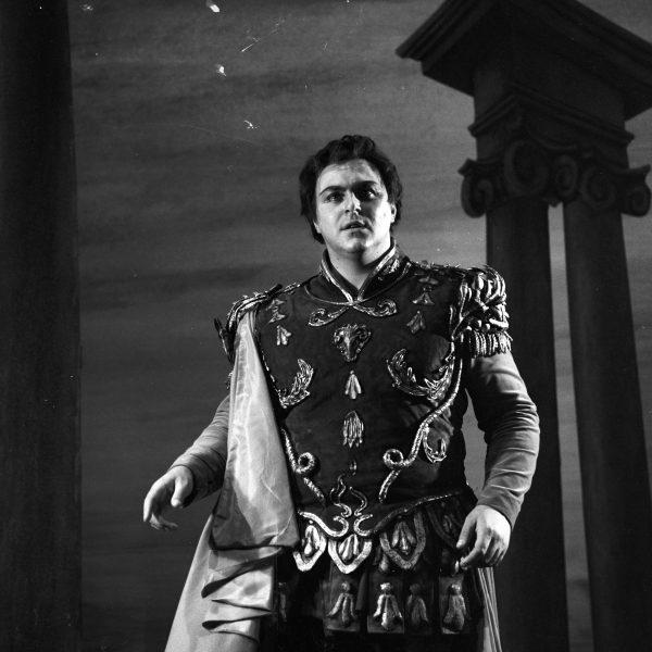 Pavarotti at Glyndebourne