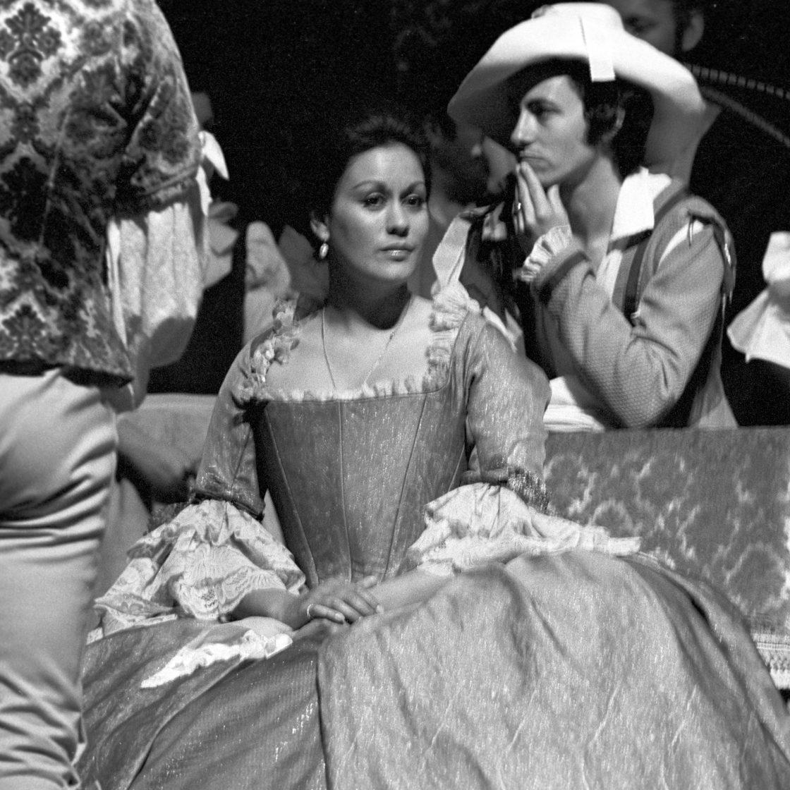 Kiri Te Kanawa in Le nozze di Figaro, 1974.
