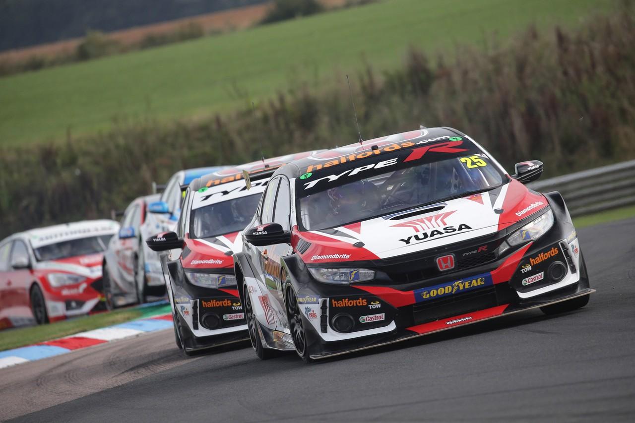 Podiums at Thruxton boost Halfords Yuasa Racing Honda's BTCC title bid