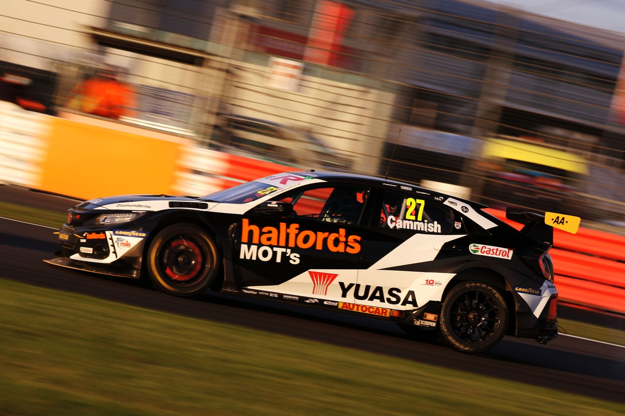 Halfords Yuasa Racing wins again to close up BTCC title battle