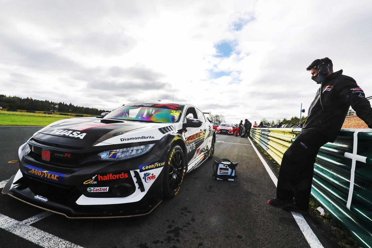 Halfords Yuasa Racing with Honda firmly in title chase as BTCC heads to Norfolk
