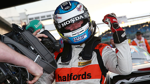 SHEDDEN AND NEAL STAR TO TAKE TITLE TUSSLE DOWN TO THE WIRE