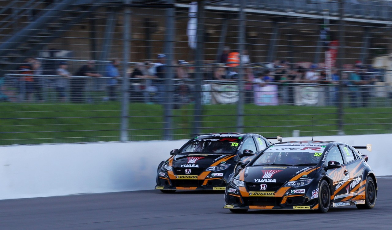 Honda vows to fight on after rough ride at Rockingham