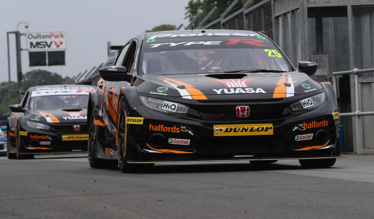 Honda building momentum as Neal and Cammish target more success at Croft