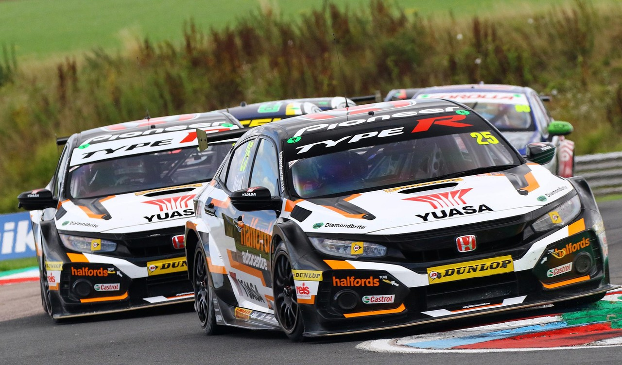 Honda title bid fired-up as BTCC heads to Scotland