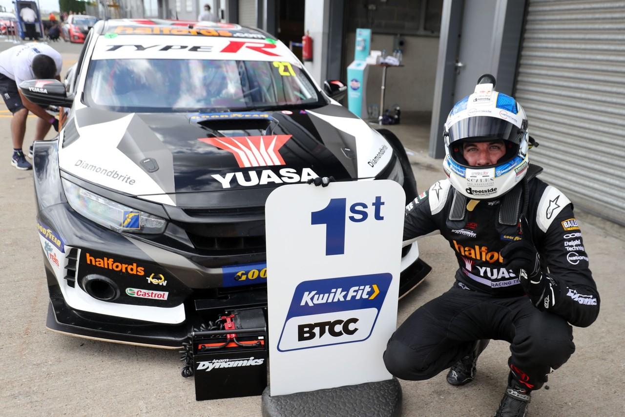 Winning start puts Honda at head of BTCC