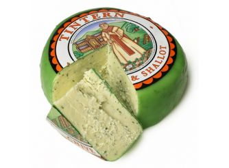 Somerdale Tintern English Cheddar Cheese with Chives and Shallots