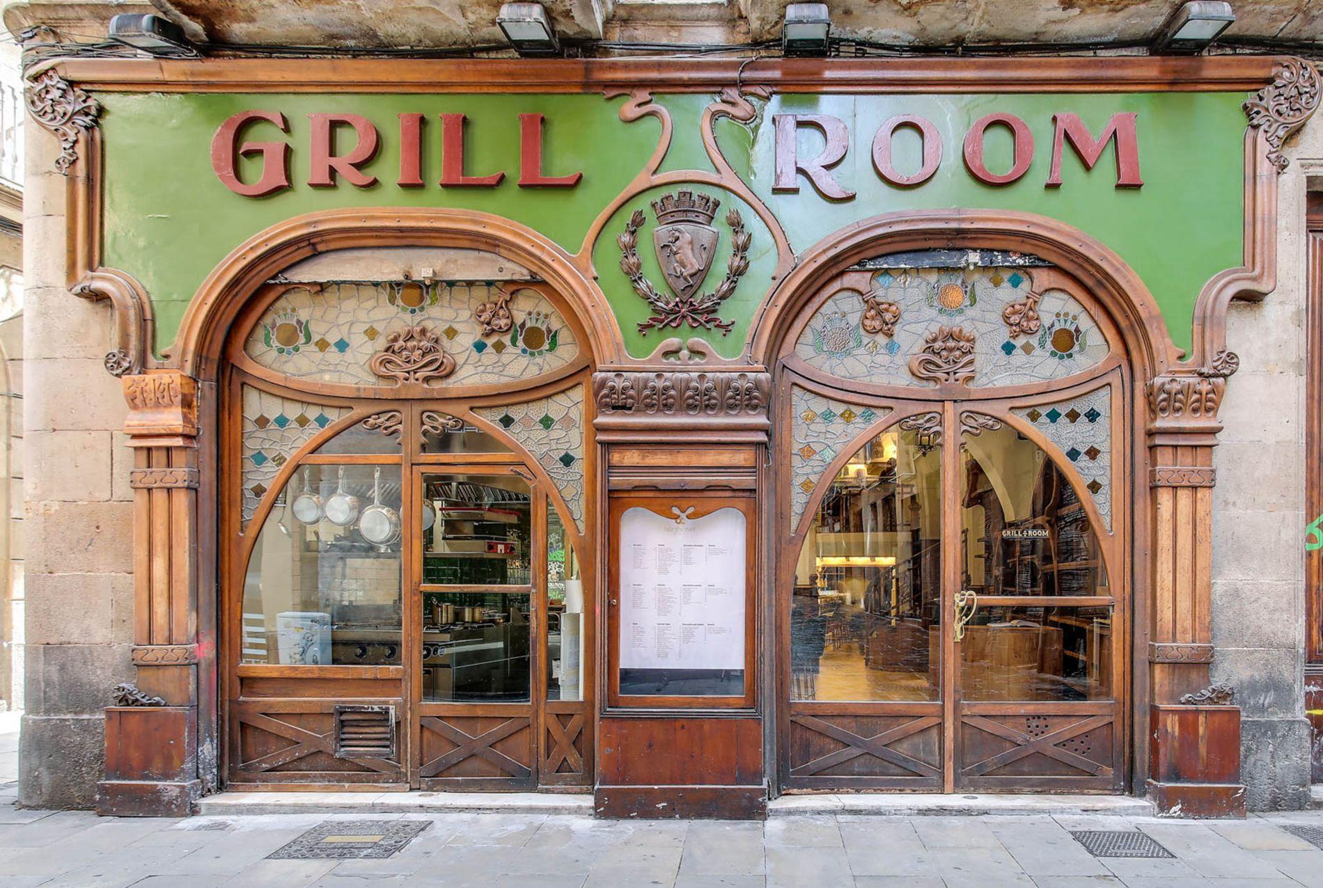 La fachada del 'Grill Room Bar Thonet' es un canto al modernismo. Foto: Grill Room Bar.