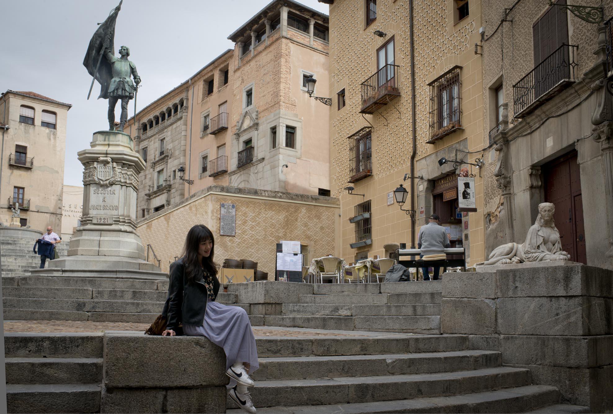 El aire italiano de la Plaza de las Sirenas fascina a los visitantes.