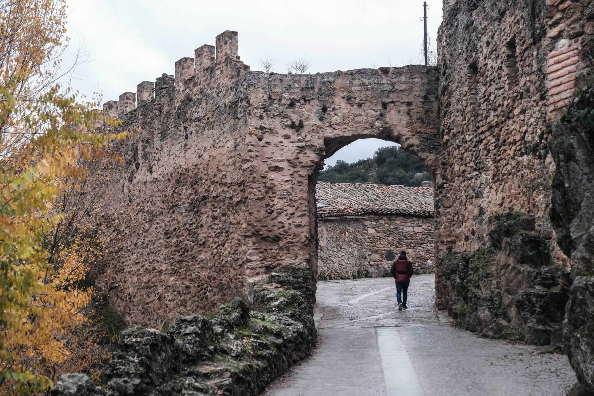 Los portales por los que se puede atravesar la muralla, anticipo del atractivo cultural del municipio.
