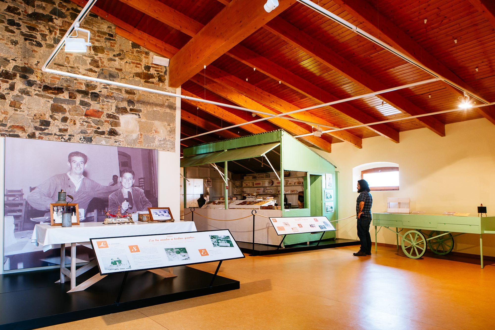 En el Museo del Turrón se entiende de qué manera ha influido el turrón en la vida de los castueranos.