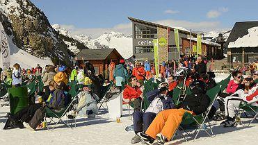 Cerler, esquiando en la cima de los Pirineos
