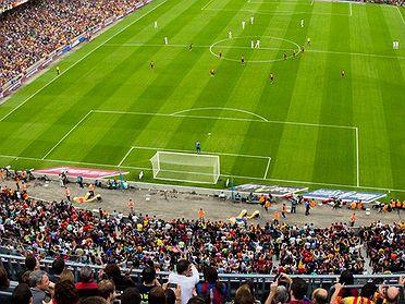 España en 10 campos de fútbol