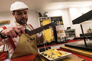 Desde tablas a platos elaborados a base de queso: aquí se sirven en torno a 200 variedades.