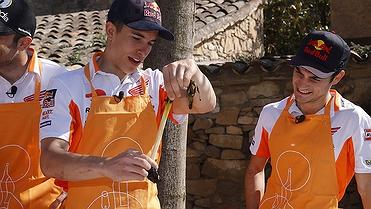 Marc Márquez y Dani Pedrosa se van de calçotada
