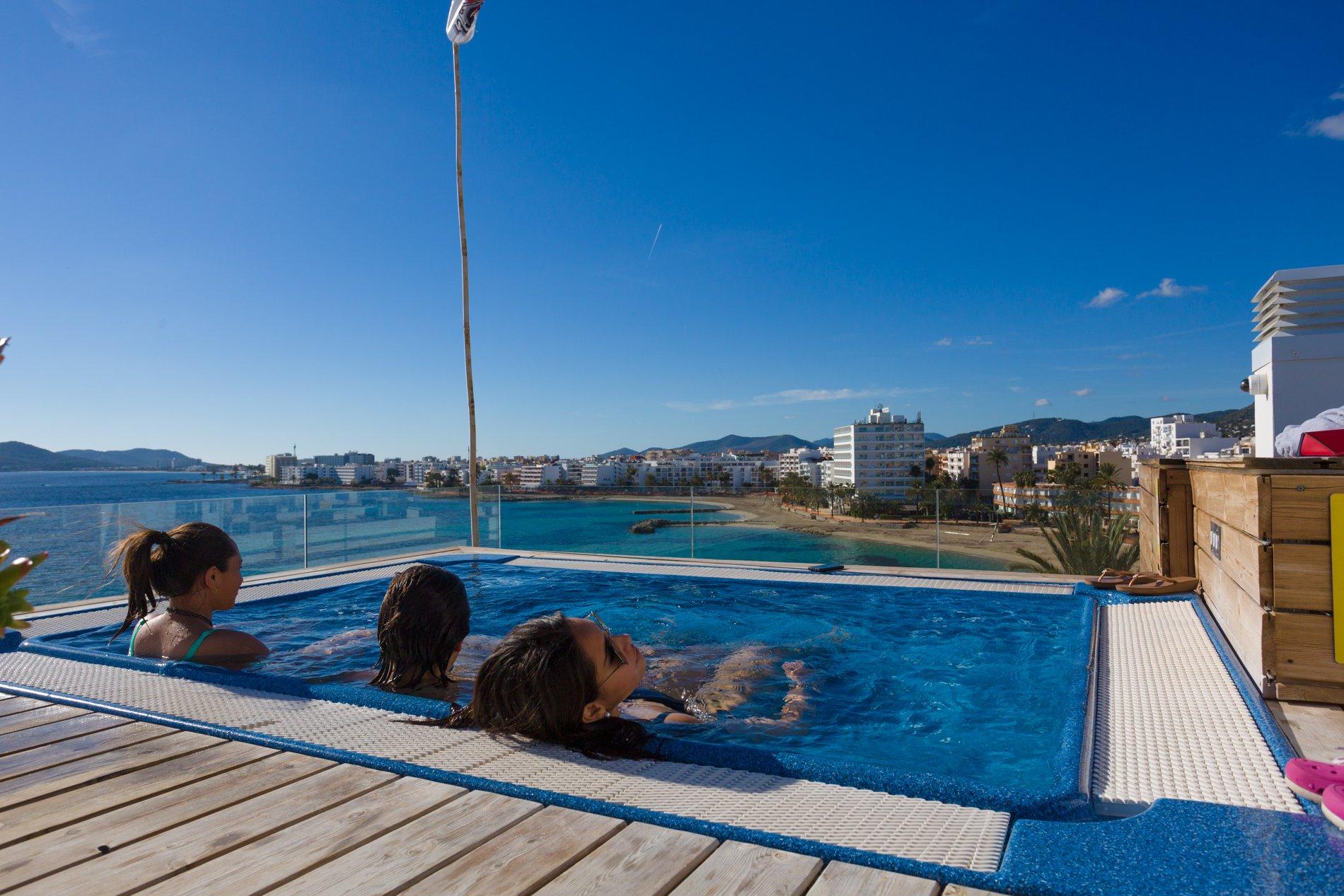 Apartamentos Sub Ibiza Suites - Azotea con jacuzzi