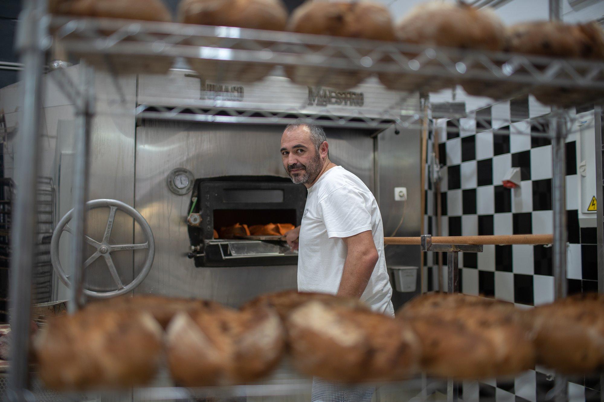 Paco Ruiz Salguero fundó 'Artesa' tras años como repartidor de pan.