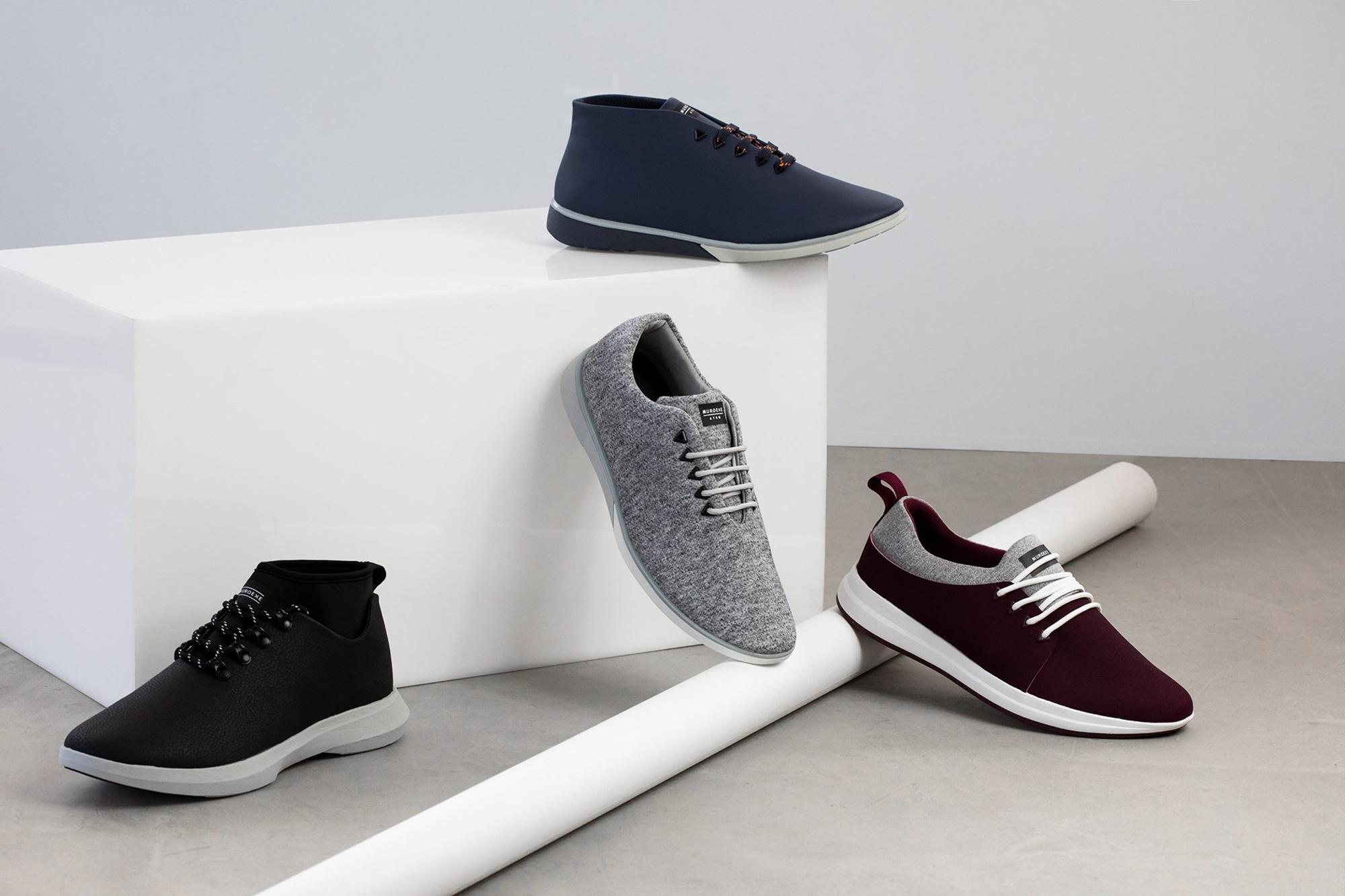 El adorno mínimo y los colores sobrios convierten las zapatillas en un concepto algo más formal. Foto: Muroexe.