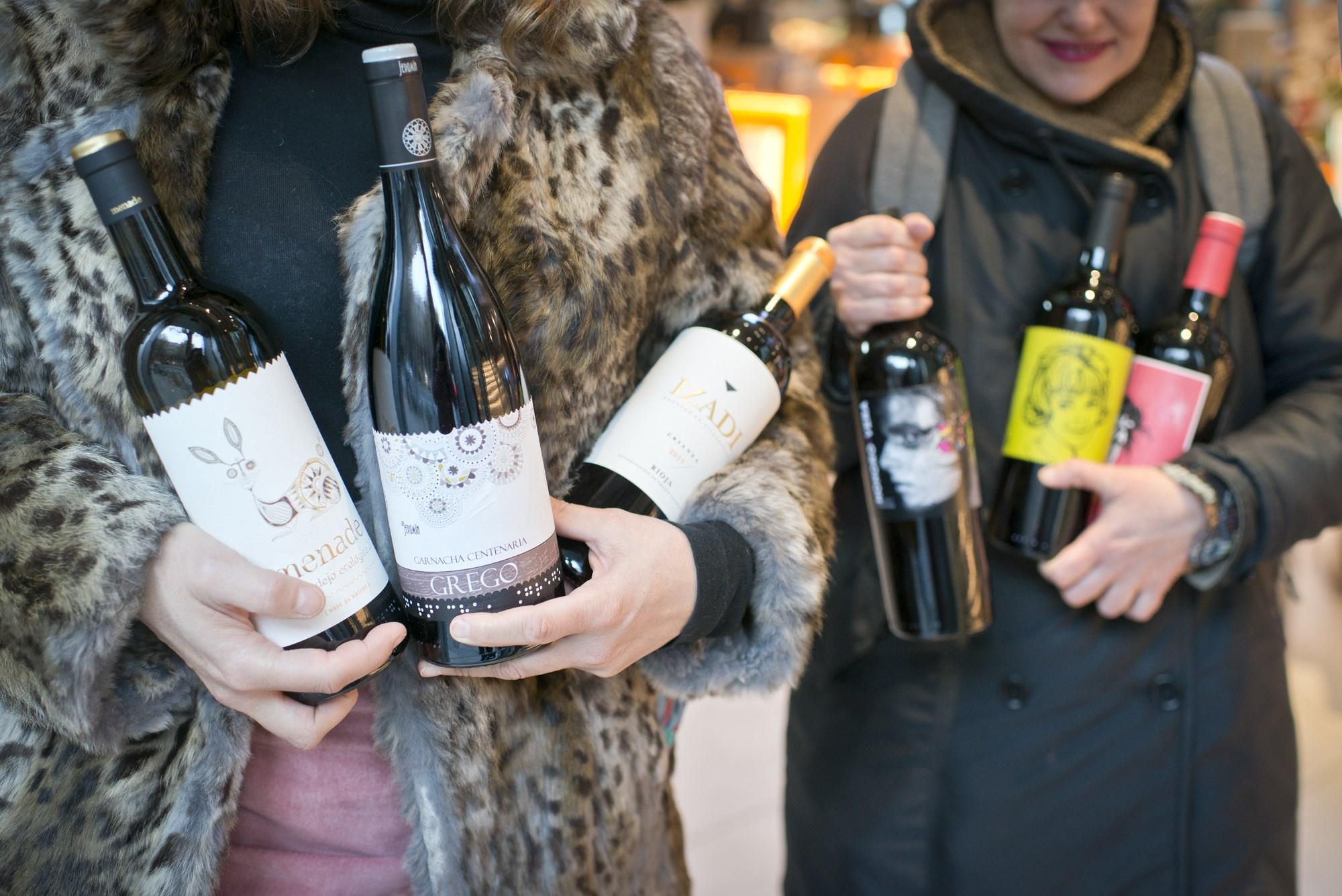 Riojas, cavas y vinos ecológicos son algunas de las opciones en los estantes de Respol On.