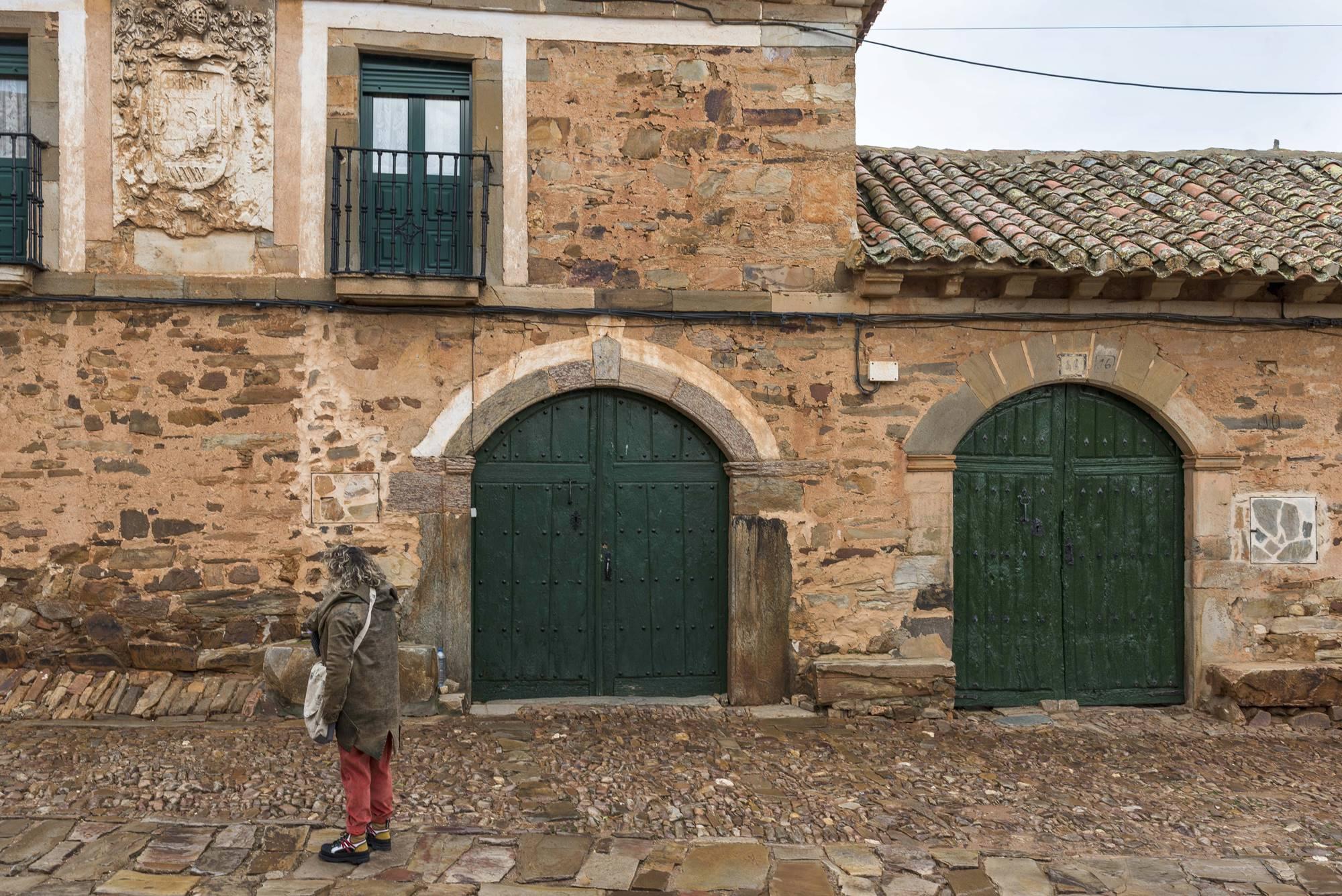 Las casas blasonadas (pocas), muestran el poder económico de los arrieros.