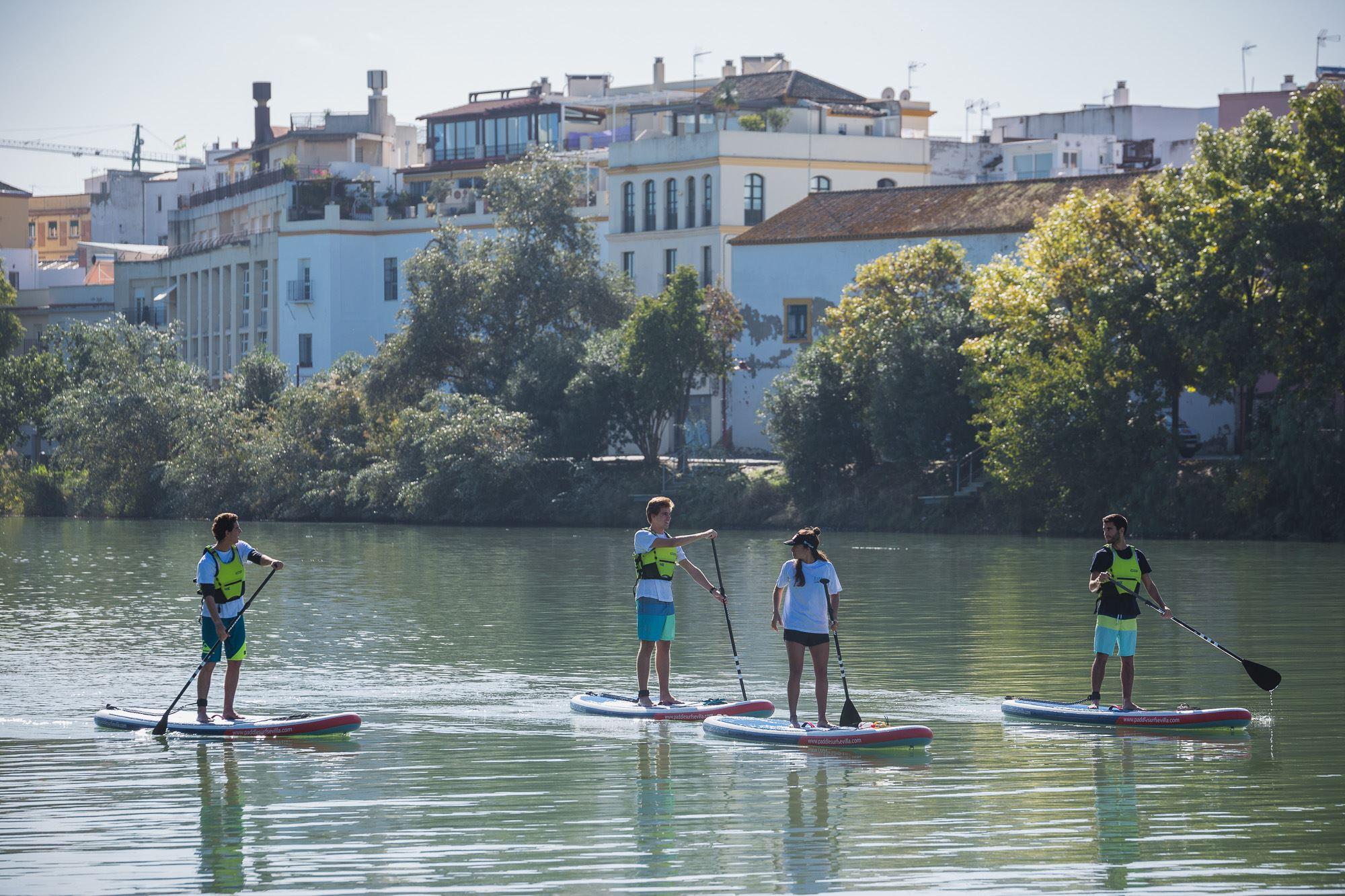 El recorrido incluye La Isla de la Cartuja, el barrio de Triana y el casco histórico, entre otras paradas.