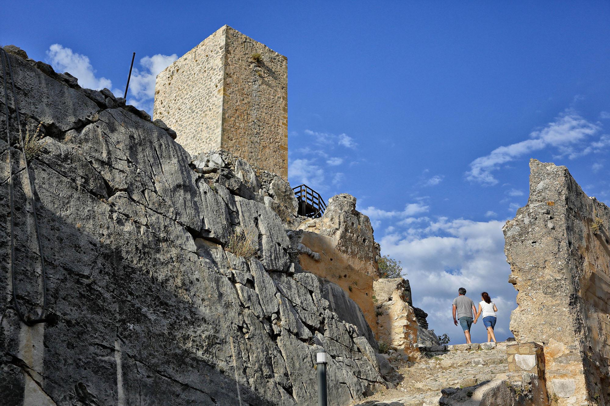 La Torre del Homenaje se levantó sobre la roca más alta.